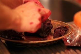 Zu Abend gibt es dann die Leber, Niere und Herz vom Rehkitz.